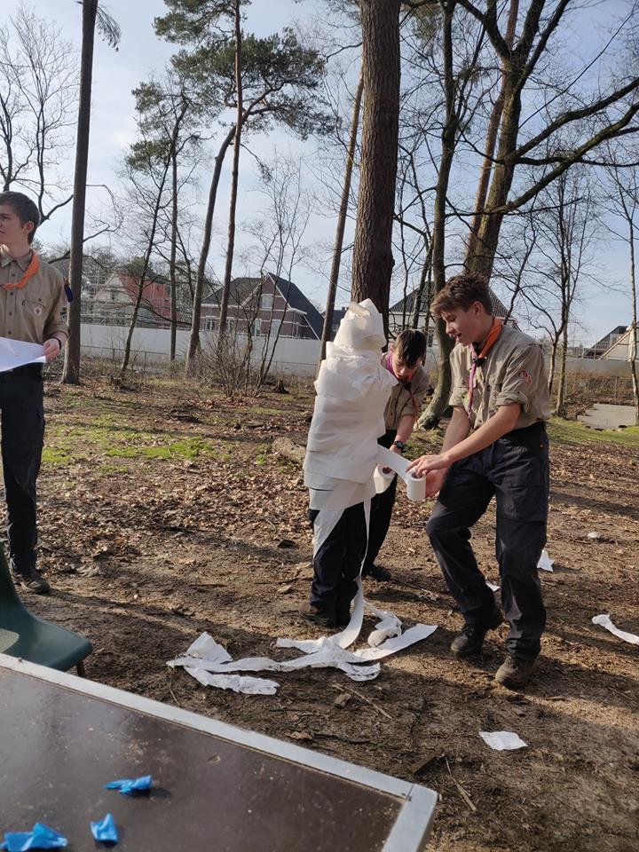 Scouting Impeesa Amersfoort verkenners creatief met wc papier
