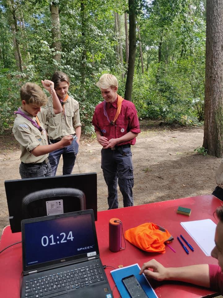 Scouting Impeesa Amersfoot overvliegen welpen verkenners rowans